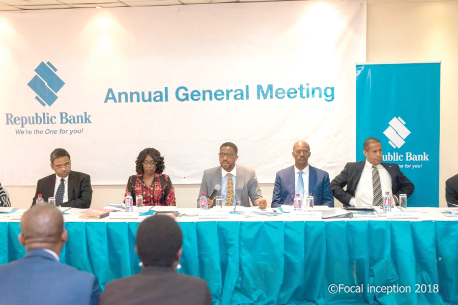 The Board Chairman Mr Charles William Zwennes (3rd right) addressing the shareholders at the AGM.