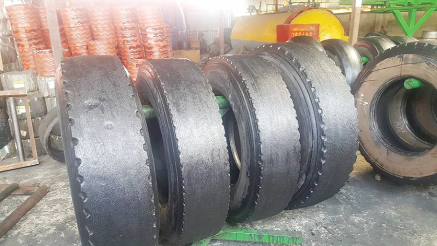 Samples of worn-out tyres undergoing retreating